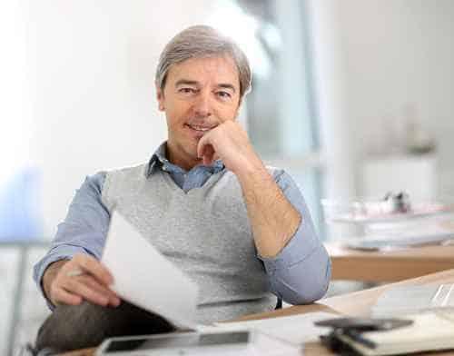 Wechsel PKV - Zufriedener, älterer Mann