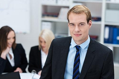 Tarifwechsel Private Krankenversicherung Union / BBKK - Wechsel PKV - Freundlicher Berater im Büro
