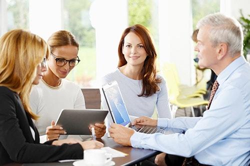 Tarifwechsel Private Krankenversicherung Hallesche - Wechsel PKV - Team bei der Arbeit